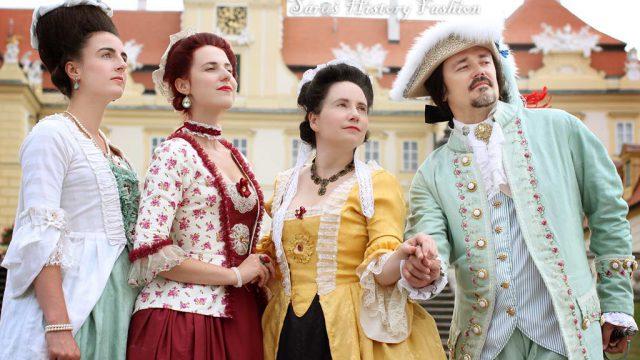 Přehlídka historických oděvů při Slavnostním otevření letohrádku Belveder