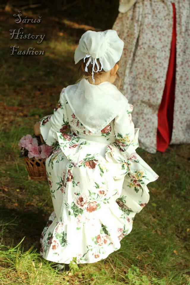 Květované holčičí rokoko šatečky