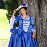 Modré saténové šaty