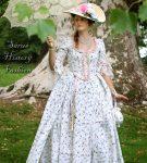 Robe a la Francaise květované