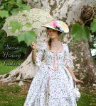 Robe a la Francaise bílé s květy