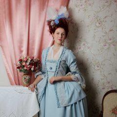 Robe a la Francaise světle modré