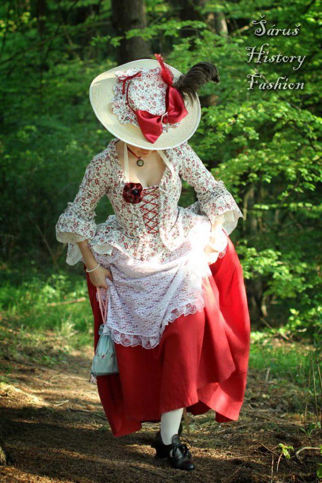 Květované rokoko šaty (červený květ)