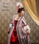 Bílo červené rokoko šaty s proužkem