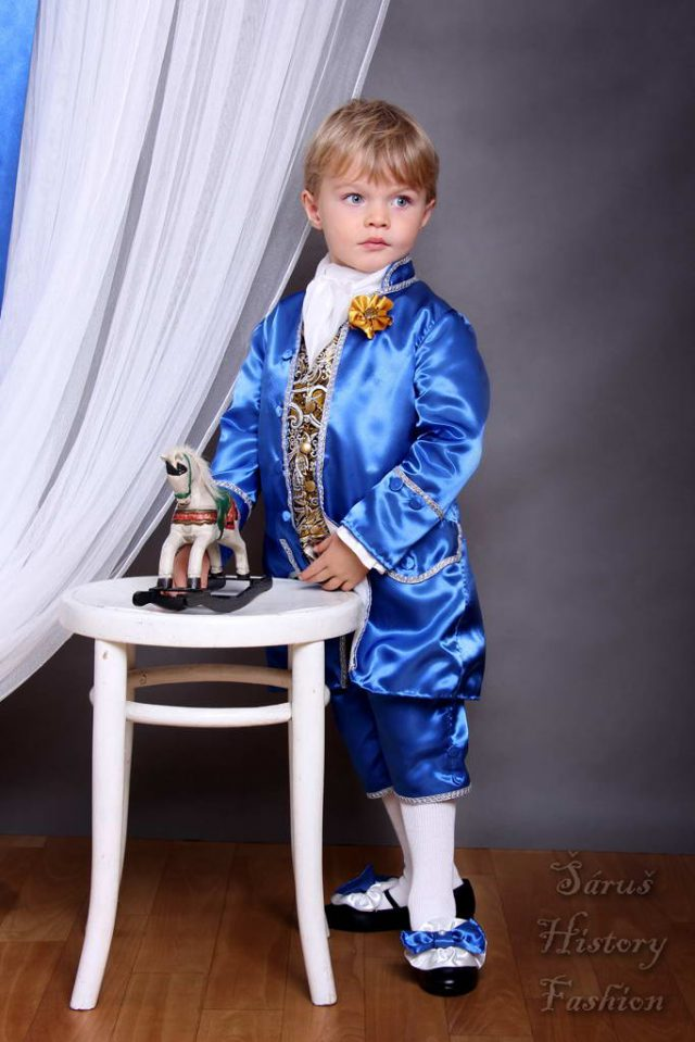 Chlapecký modrý saténový set